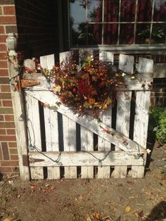 Good way to hide your garbage cans and can change with seasons or holidays