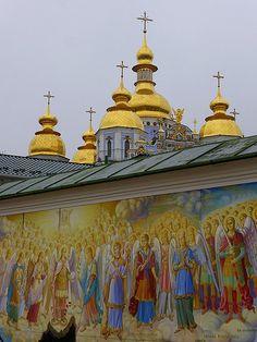 Michael`s Golden-Domed Monastery, Kiev, Ukraine Byzantine Architecture, Sacred Architecture, Russia Ukraine, Kiev Ukraine, Christian World, Christian Church, Ukrainian Art, Russian Orthodox, Cathedral Church