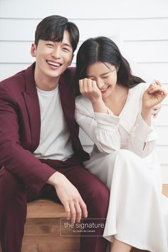 Pre Wedding Poses, Wedding Photos, Korean Wedding Photography, Korean Photo, Photo Look, Diy Clothes, Nail Soak, Bride, Weeding
