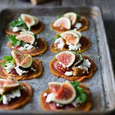 ▷ 1001 + ideas sobre canapés navideños fáciles y rápidos Fingerfood Party, Appetizers For Party, Healthy Food Alternatives, Healthy Recipes, Tapas Spain, Food Porn, Queso Ricotta, Party Finger Foods, Edible Food