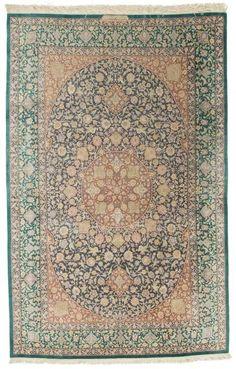 Safavieh Persian Classics 121699 Persian Qum Green/ Blue/ Rust Rug