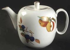 Search: tea pots Teapot & Lid in Evesham Gold (Porcelain) by Royal Worcester Fine China Dinnerware, Chocolate Pots, Worcester, Afternoon Tea, Tea Time, Tea Cups, Mad, Table Settings, Porcelain