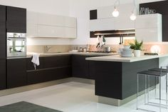 Carrera - the historic model from Veneta Cucine - has been revised ...