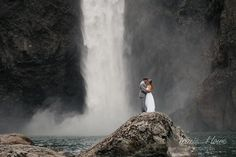 Just a quick teaser from today's awesome elopement at Snoqualmie Falls! Can you believe this epic background?! I love adventurous couples that make me do crazy things. See a few more over at Tracie Howe Photography.
