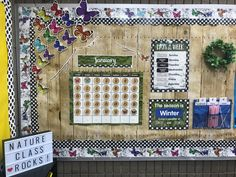 Stay on schedule and help students remember important days with a calendar bulletin board. Forest Classroom, Calm Classroom, Classroom Layout, Preschool Classroom, Classroom Themes, Preschool Crafts, Kindergarten, Calendar Bulletin Boards, Classroom Calendar
