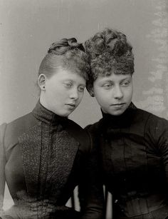 "Princess Margaret (""Mossy"") and Princess Victoria (""Moretta"") of Prussia."
