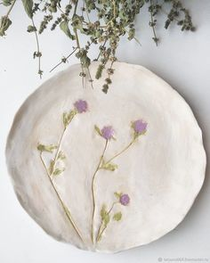 Beautiful pressed flowers into pottery. Pottery Plates, Slab Pottery, Ceramic Pottery, Pottery Art, Hand Built Pottery, Thrown Pottery, Pottery Wheel, Pottery Studio, Ceramic Clay