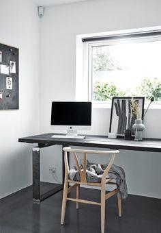 Kontor med Wegners Y-stol