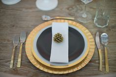 Gold Fall Table Setting by @Best Day Ever Creative Events // Photo by @Christie Graham
