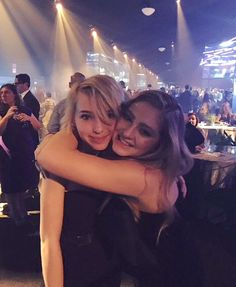 Autumn and Willow Shields