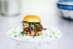 food, styling, plating, burger, coleslaw, buns, bokeh