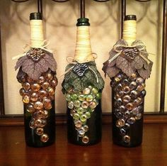 Altered Bottles - use a wine bottle, flat marbles, twine and fabric leaves to create grapes! Wine Bottle Corks, Wine Bottle Crafts, Diy Projects With Wine Bottles, Decorating With Wine Bottles, Vodka Bottle, Crafts To Make, Diy Crafts, Recycled Crafts, Handmade Crafts