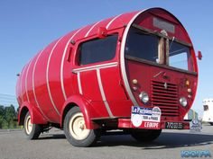 Collection des véhicules de la caravane du Tour de France   - RENAULT Voltigeur -