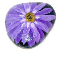 natural stones painted Riverstones Boulders FLower handpainted (€9,15) ❤ liked on Polyvore featuring home, home decor and stone home decor