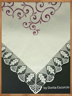 This Pin was discovered by Dor Crochet Art, Filet Crochet, Crochet Doilies, Crochet Border Patterns, Knitting Patterns, Yarn Crafts, Diy And Crafts, Romanian Lace, Paper Flowers Diy