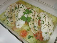 Receta para dieta. Merluza varoma thermomix Some Recipe, Fish And Seafood, Caprese Salad, Allrecipes, Sweet Recipes, Potato Salad, Brunch, Tasty, Meat
