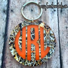 Personalized Gifts With a Touch of Class by SassySouthernGals - Monogrammed Camo Keychain on www. Camo Crafts, Vinyl Crafts, Vinyl Projects, Shooting Accessories, Car Accessories, Monogram Gifts, Personalized Gifts, Cute Gifts, Baby Gifts