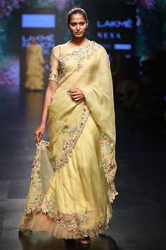 Buy Floral Thread Embroidered Blouse With Saree by Anushree Reddy at Aza Fashions Trendy Sarees, Stylish Sarees, Fancy Sarees, Indian Designer Outfits, Indian Outfits, Indian Attire, Indian Dresses, Indian Clothes, Indian Wear