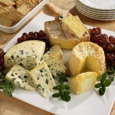 French Cheese Plate - Paul Poplis (http://international.stockfood.com/results.asp?inline=true=684156=3=1)