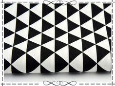 Stoff retro - Baumwolle, kleine Dreiecke, schwarz-weiß - ein Designerstück von imagine-shop bei DaWanda