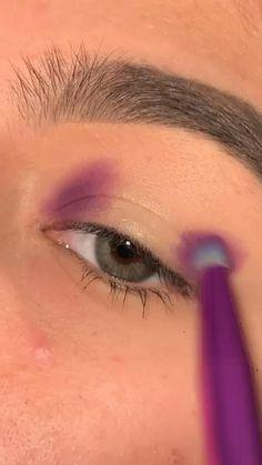 Edgy Makeup, Makeup Eye Looks, Eye Makeup Art, Crazy Makeup, Eyeshadow Looks, Eyeshadow Makeup, Pink Eyeliner, Eyeliner Ideas, Glowy Makeup