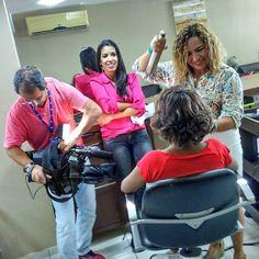 Momentos de suspense aqui no salão @salaowanuziaemelo As câmeras da InterTV registram o momento de transformação da mamãe Patrícia. #GACCRN #MÃELUZ #2016 #TRANSFORMAÇÃO