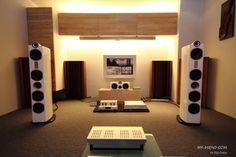 II/ Fotos de sistemas de audio de todo tipo / Pictures of Audio Settings / Аудио-системы в фотографиях