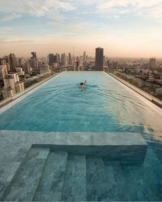 Hotel Pool with Bangkok city view 💦 The Pillars Hotel'. Located in Bangkok, Thailand. Hotel Swimming Pool, Hotel Pool, Swimming Pool Designs, Piscina Do Hotel, Piscina Spa, Infinity Pools, Hotels And Resorts, Best Hotels, Pool City