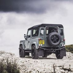 Land Rover Defender 90 Td4 Sw Se customized Twisted. Bold and fierce, but still…