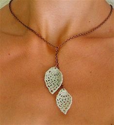 This listing is for PATTERN in PDF format, not the actual necklace. This modern and easy to create Crocheted Leaves Necklac, need mm steel crochet hook * stiffening medium of your choice * textile or craft paint, thin brush * Love Crochet, Bead Crochet, Crochet Earrings, Crochet Jewellery, Crochet Leaves, Crochet Flowers, Jewelry Crafts, Handmade Jewelry, Crochet Collar
