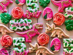 3rd Birthday Party For Girls, Girl Dinosaur Birthday, Dinosaur Party, 5th Birthday, Birthday Ideas, First Birthdays, Ale, Dinosaurs, Party Ideas