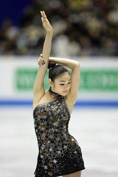 Yuna Kim - James Bond Medley 2009/10 SP