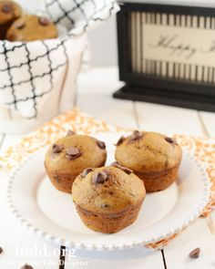 Chocolate Chip and Pumpkin Muffins. The perfect fall dessert! #lmldfood