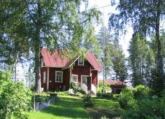 What a nice holiday home! - - HOUSE - Home Design Swedish Cottage, Cute Cottage, Red Cottage, Swedish House, Cottage Homes, Tiny Cabins, Cabins And Cottages, Home Design, Red Houses