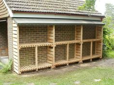 plans the construction of a firewood storage shed - Storage DIY Outdoor Firewood Rack, Firewood Shed, Firewood Storage, Outdoor Storage, Wood Storage Sheds, Storage Shed Plans, Storage Ideas, Woodworking Plans, Woodworking Projects