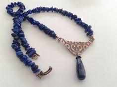 #collana lapislazzuli con pendente in rame embossato anticato e goccia finale : Collane di tizianatar