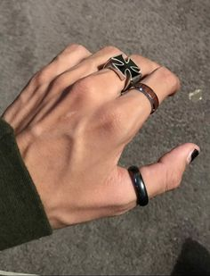 Hands With Rings, Rings For Men, Pretty Hands, Beautiful Hands, Hand Veins, Hot Hands, Grunge Jewelry, Hand Pictures, Daddy Aesthetic