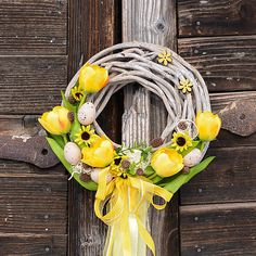 Hydrangea / Jarný žltý venček na dvere