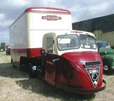 Scammell Scarab - they can turn in their own length Classic Trucks, Classic Cars, Classic Bikes, Old Lorries, Microcar, Road Transport, Air Fighter, Automobile, British Rail