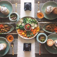 7月の上級タイ料理教室は今日からスタートしました今月のテーマはタイ北部のお料理です . คลาสสอนทำอาหารชั้นสูงวันนี้ค่ะ #จอผักกาด #ไส้อั่ว #น้ำพริกอ่อง  . . #タイ料理 #タイ料理教室 #タイ料理レッスン #タイ #ナムプリックオーン #ソーセージ #カービング #カービング教室 #野菜 #エスニック料理 #アジア料理 #ヘルシー料理 #美味しい #クッキング #テーブルコーディネート #フードコーディネート #フードスタイリング #お稽古 #onthetable #cookingschool #foodoftheday #foodstyling #healthyfood  #carving #delicious #thaifood