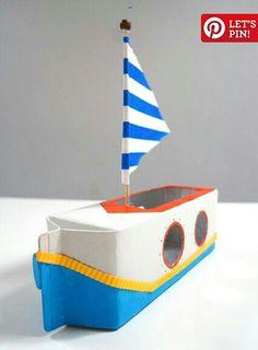 Barco velero. De cartón de leche.