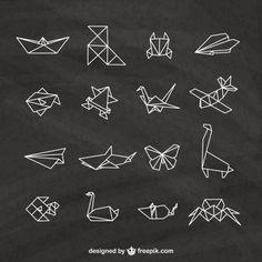 Elementos de origami en una pizarra