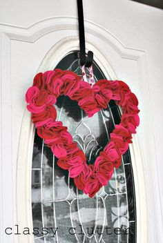 Quick and Easy felt Valentine's Day wreath - make as big or small as you want