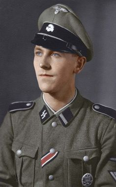 Waffen SS junior officer in the 1'st LSSAH division