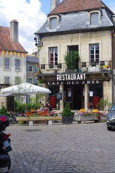 Cafe Des Arts, Semur-En-Auxois, Burgundy