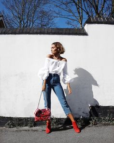 "9,056 likerklikk, 74 kommentarer – Alicia Roddy (@lissyroddyy) på Instagram: ""Loving the sun these past few days & these sleeves!  top and jeans by @missyempire, link to them…"""