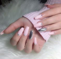 @Hair,Nails,And Style @SINHTRAN