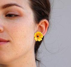 @Mase 28 Vintage 1960s Earrings - Yellow Flower Stud Earrings