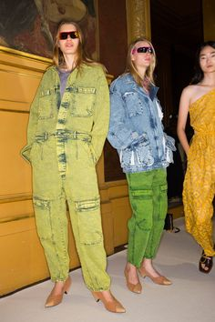 Stella McCartney Spring 2018 Ready-to-Wear Fashion Show Beauty Dope Fashion, Fashion Show, Stella Mccartney Dresses, Rompers For Kids, Boiler Suit, Denim Top, Textiles, Dressing, Colored Denim