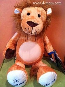 Lenny the Lion made by Build-a-Bear Workshop for children who start a Medtronic insulin pump or continuous glucose monitor (CGM). Visit http://www.d-mom.com #diabetes